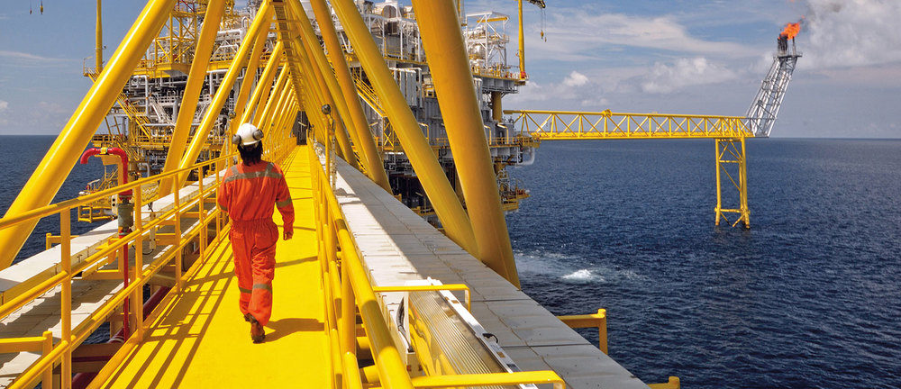 Company Image (Proeon Systems: Employee on offshore rig)