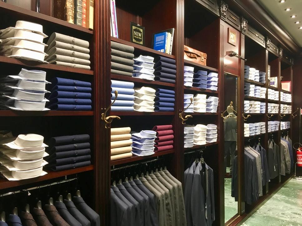 Retail Manager Ji Gallery 1