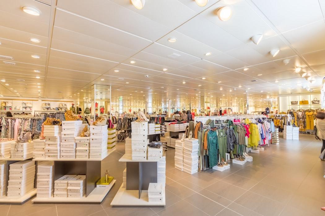 Retail Manager Ji Gallery 2
