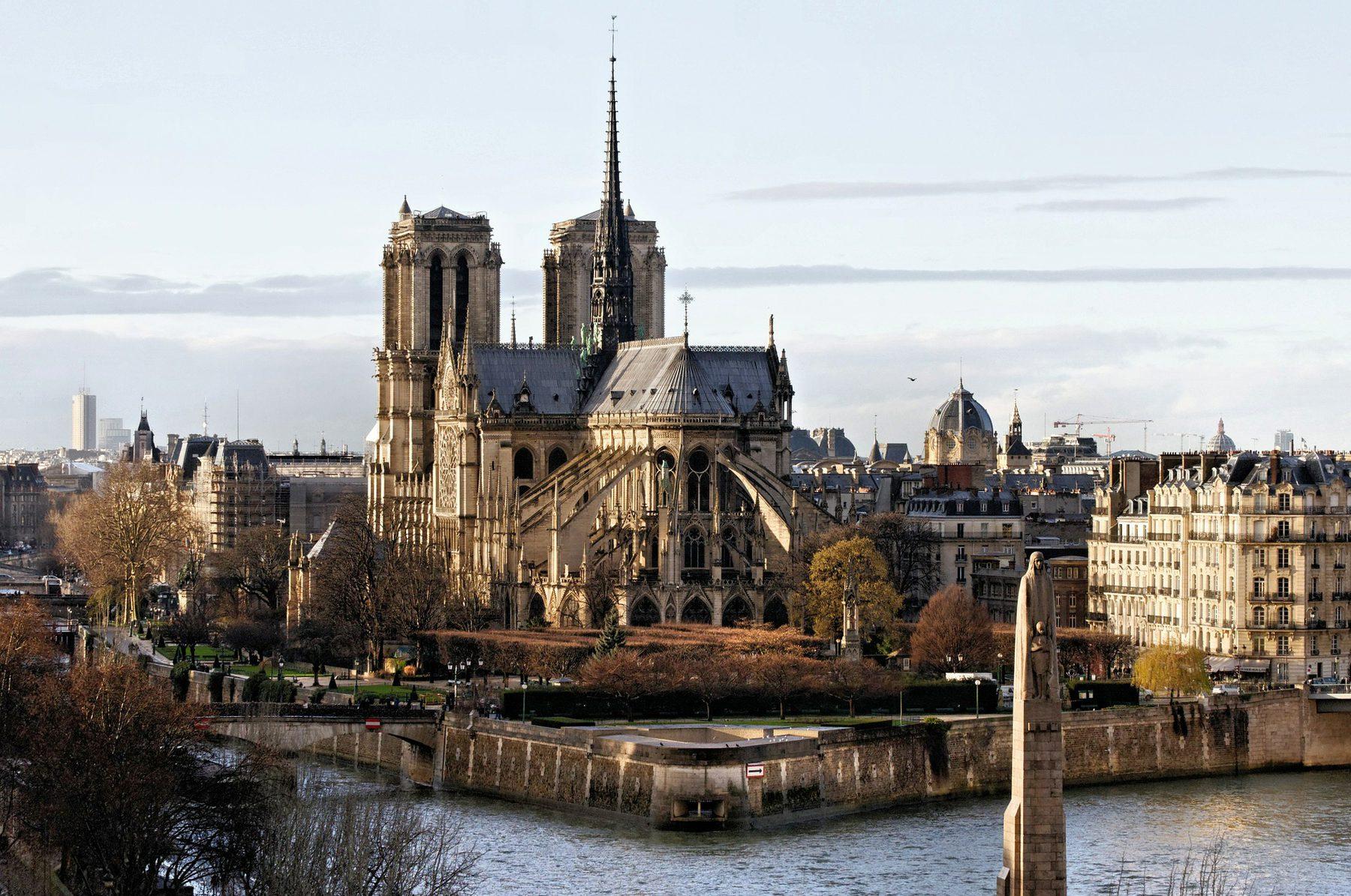 Post Image (Notre-Dame de Paris)